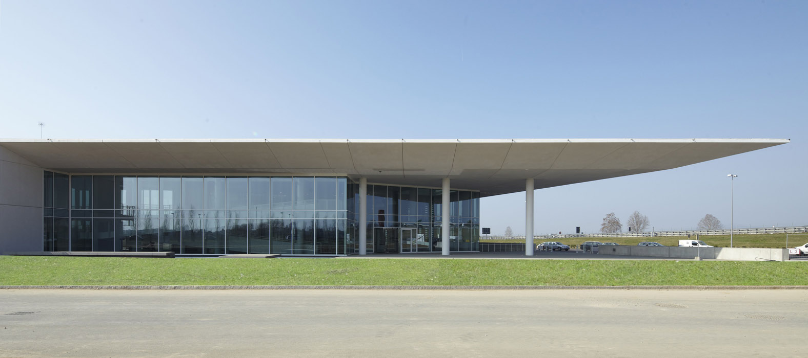 Remuzzi marmi itclab innovation and technology central for Richard meier architetto
