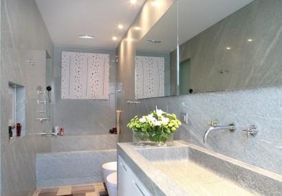 Rivestimento bagno in Beola Verde