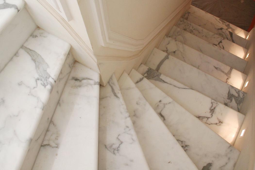 Remuzzi marmi prodotti - Scale moderne in marmo ...