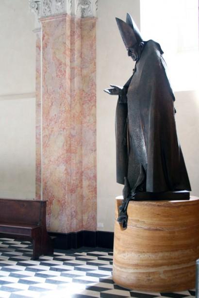 Base statua